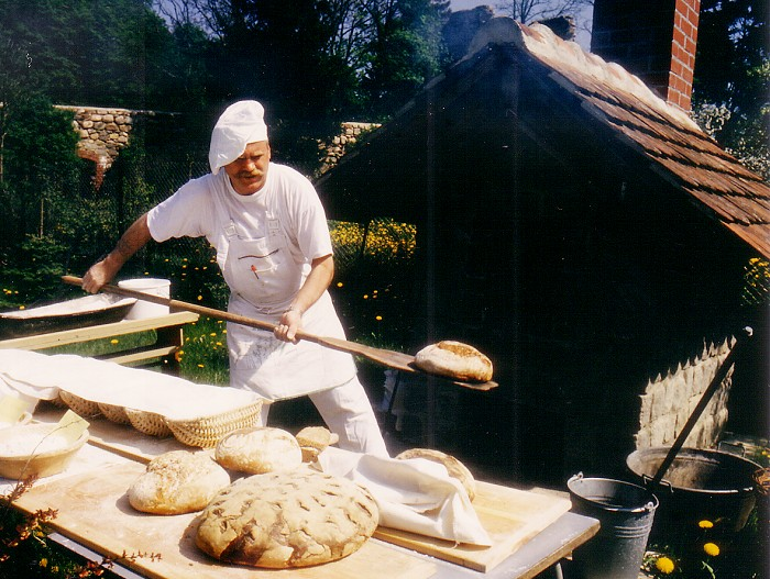 beim Brot backen
